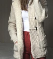 bélelt kötött pulcsi