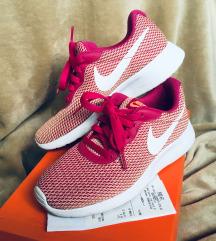 2x viselt! Nike Tanjun SE cipő 24 cm bth.