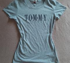 1x használt Tommy Hilfigeres póló