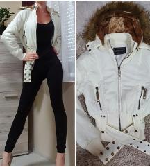 Fehér kabát  + ajándék