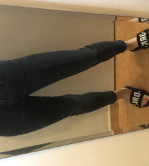 Fekete csípőnadrág