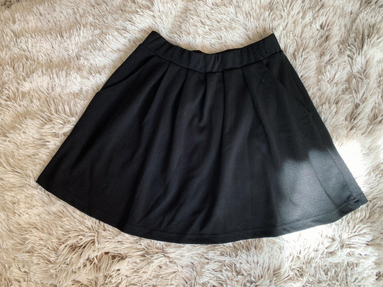 fekete zsebes szoknya