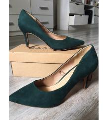 Smaragdzöld magassarkú cipő