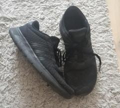 45-ös fekete Adidas cipő