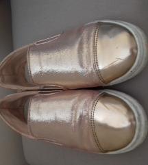 Átmeneti cipő