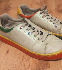 érdekes cipő egyedi