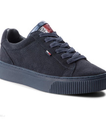 Tommy Hilfiger 37 cipő