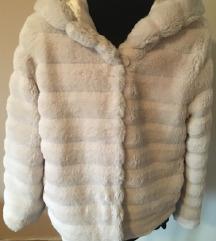 L-es krém színű bunda kabátka