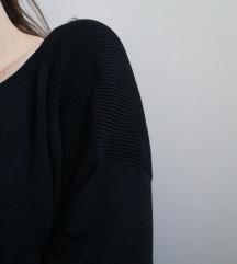 Bordázott vállú pulcsi