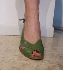 Zöld lakk telitalpú cipő