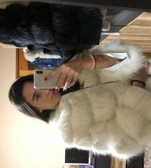 Eladó fehér szőrme kabát