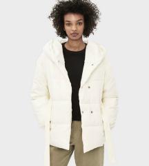 Fehér bélelt bershka kabát
