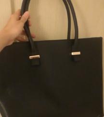 H&M fekete kézitáska - apró hibával!