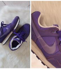 Eredeti Nike MD Runner női sport / utcai cipő