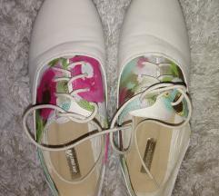 Könnyű lapos talpú cipő