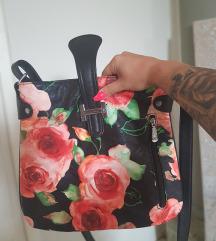 ÚJ virágos táska