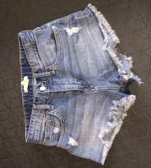 Eladó női rövidnadrág