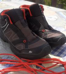 Quechua cipő