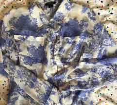 kék virágmintás ing