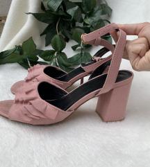 Rózsaszínes lilás, fodros magassarkú