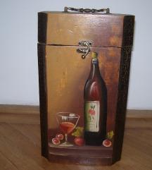 Dísztárgy - bortartó, italtartó, díszdoboz