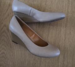 Telitalpú csinos női cipő