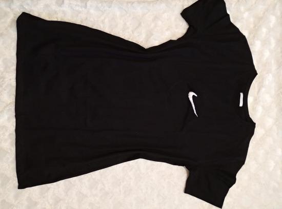 Oversize hosszított fekete póló