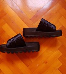 ÚJ Koi Footwear papucs 39,5-40