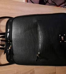 Parfois fekete hátizsák
