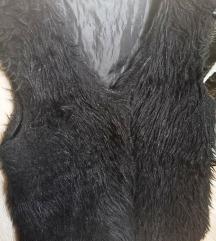 Fekete szőrmemellény