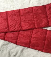 Bershka piros sál