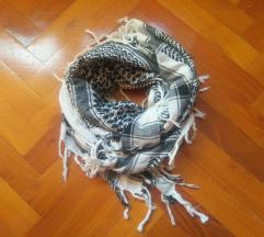 Fekete - fehér kockás  sál/kendő