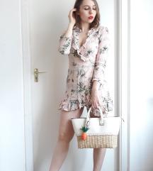 Virágmintás fodros ruha