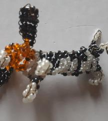 Gyöngyökből kirakott kutya figura - 300 ft