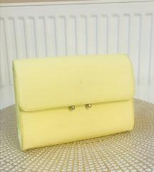 Elegánsan sárga: ruha, cipő, táska