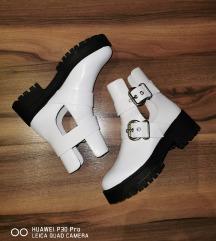 Női cipő /bakancs