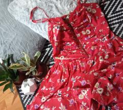 Piros virágos ruha