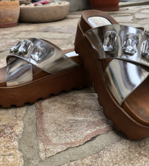 Platformos papucs