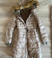 Bézs steppelt kabát