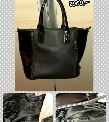 Fekete pakolós táska