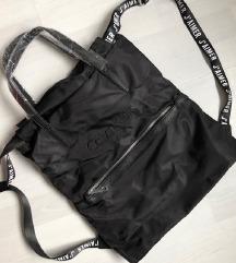 FOGLALVA Fekete Calvin Klein hátizsák/tornazsák