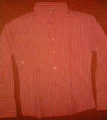 Piros ing fehér hajszálcsíkokkal