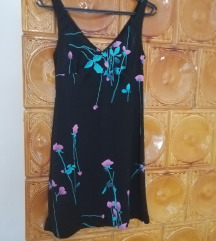 Kenyelmes nyari fekete-viragos noi ruha