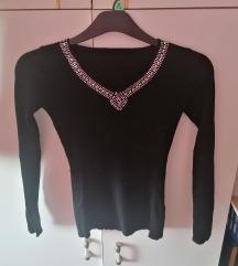 Vékony fekete pulcsi
