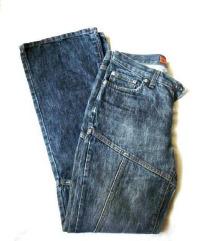 Fishbone jeans, egyedi karcsúsító fazon