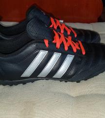 Eredeti Adidas sportcipő
