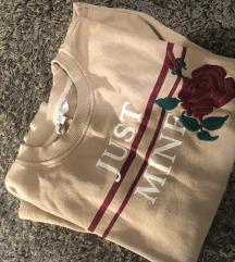 C&A rózsás pulcsi