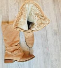 Stradivarius szőrmés, extra meleg bőr csizma