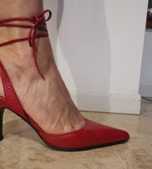 Piros magassarkú cipő