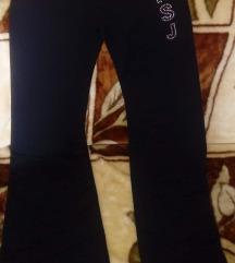 fekete S-es köves nadrág